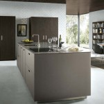 NX902-Glassline-Platinum-Metallic---German-Next125-Kitchen